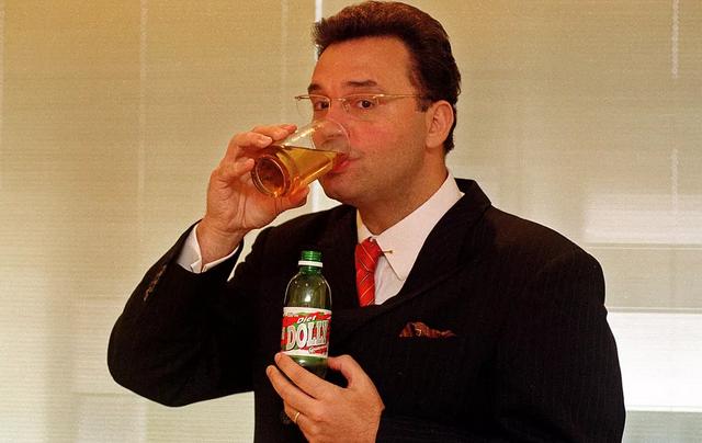 Laerte Codonho, dono da companhia de refrigerantes Dolly, em foto de janeiro de 2004 — Foto: Monica Zaratini/Estadão Conteúdo/Arquivo